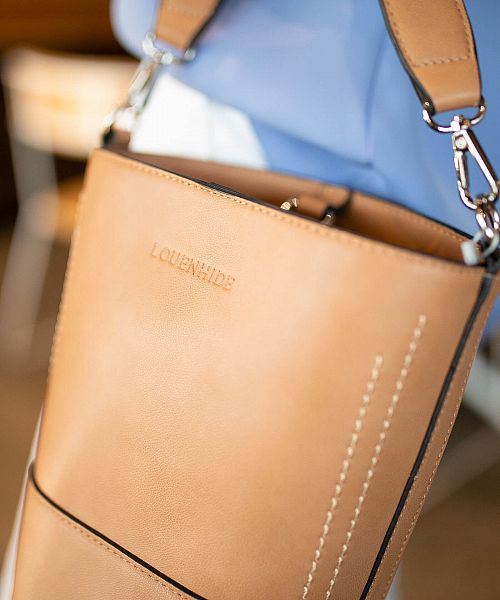 Louenhide Bucket Bag Camel